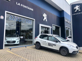 LA FONTAINE Peugeot 2008 ALLURE PACK 1.6 AT 2019/2020 Automático